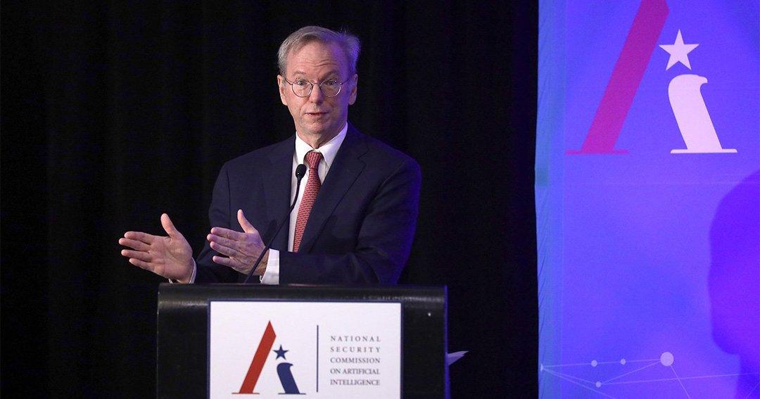 米テク幹部が狙う国防産業、くすぶる警戒感