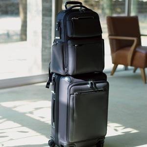 スタイリッシュで機能的。ビジネスエグゼクティブは、才色兼備な「TUMI」のバッグを