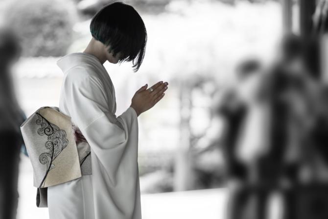 小松美羽の作品は、「悪いことをするな」と告げてくれるアート