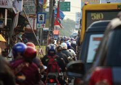 頭金規制導入で悲喜こもごも<br />商社のインドネシア二輪事業