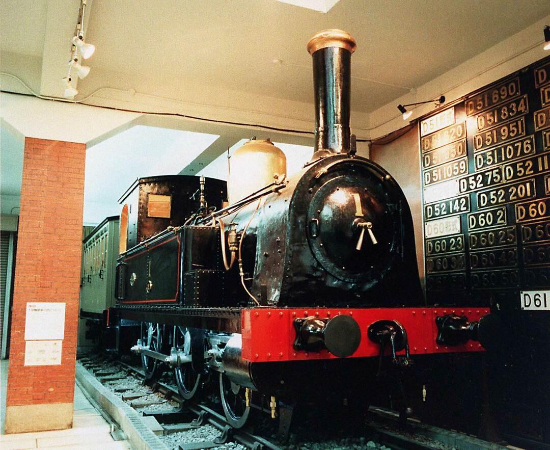 日本初の鉄道、新橋-横浜間を走った1号機関車