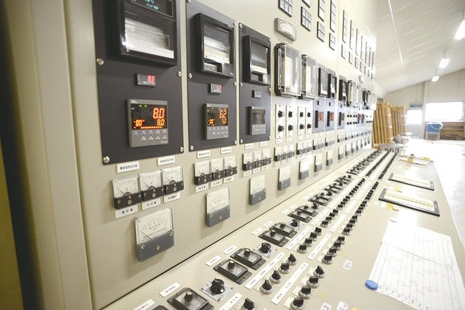 仕込みタンクの制御盤